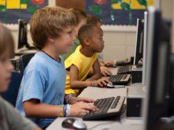 Lernen vom echten Lehrer - ein Auslaufmodell?